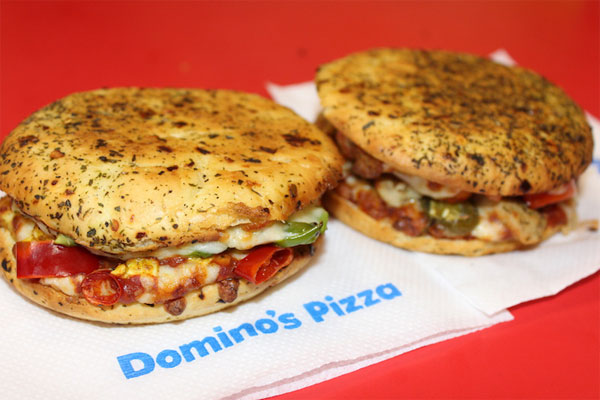 Want To Eat Pizza, Get it in 30 Minutes from Dominos in delhi